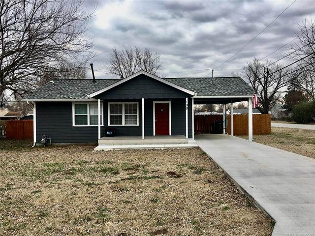 108 W 40th Place, Sand Springs, OK 74063 (MLS #2005401) :: RE/MAX T-town