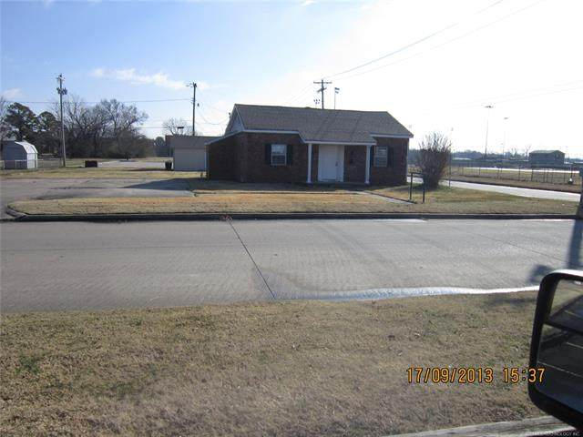 344 S 038 Street, Muskogee, OK 74401 (MLS #2005560) :: Hopper Group at RE/MAX Results