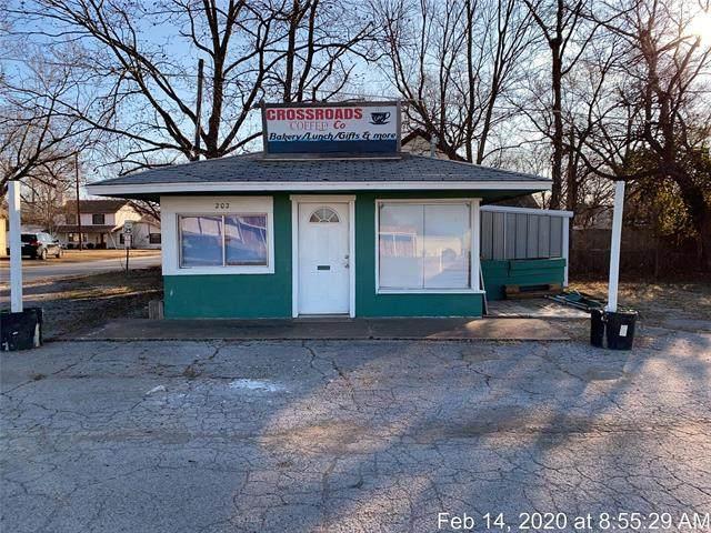 202 S Osage Avenue, Dewey, OK 74029 (MLS #2005629) :: 918HomeTeam - KW Realty Preferred