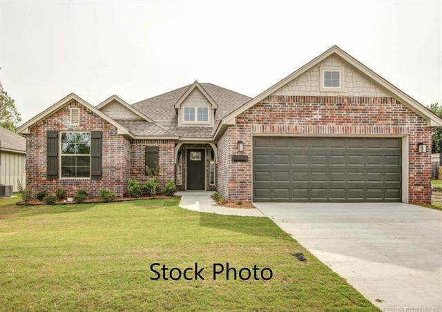 5118 S Walnut Creek Drive, Sand Springs, OK 74063 (MLS #2005661) :: Hopper Group at RE/MAX Results
