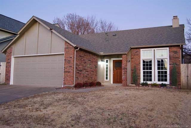 8635 S 89th East Place, Tulsa, OK 74133 (MLS #2006401) :: 918HomeTeam - KW Realty Preferred