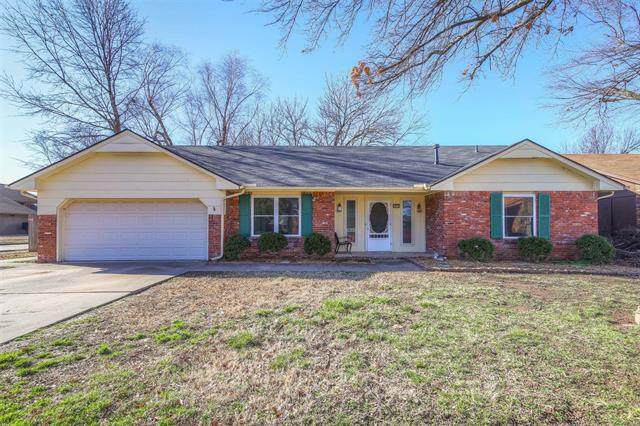 2201 W Memphis Street, Broken Arrow, OK 74012 (MLS #2006636) :: 918HomeTeam - KW Realty Preferred