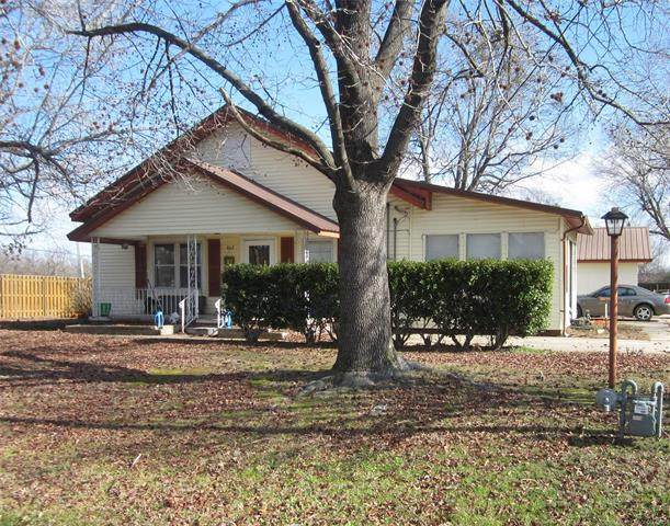 802 NE 5th Street, Stigler, OK 74462 (MLS #2008283) :: Active Real Estate
