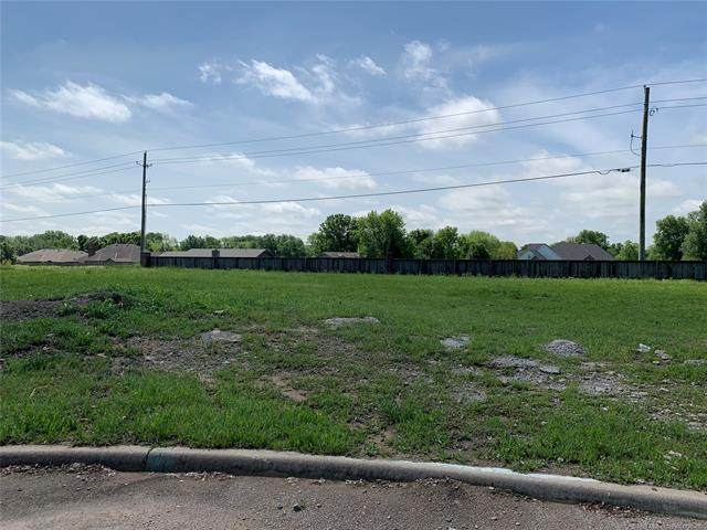6233 Sawgrass Drive, Bartlesville, OK 74006 (MLS #2008467) :: Hopper Group at RE/MAX Results