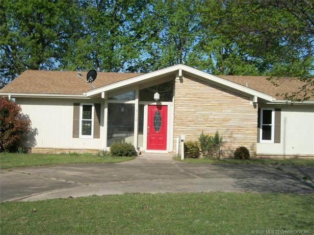 2110 S Elliott Street, Pryor, OK 74361 (MLS #2010129) :: 918HomeTeam - KW Realty Preferred