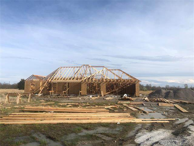 6250 E 400 Road, Oologah, OK 74053 (MLS #2010725) :: Hopper Group at RE/MAX Results