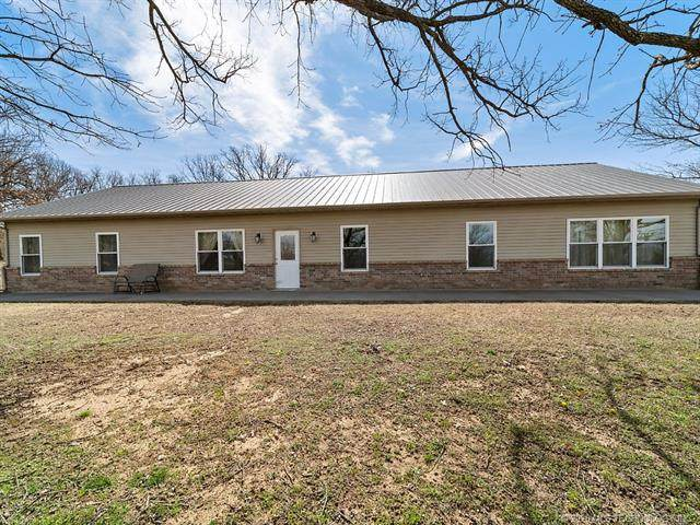 451 Loma Vista Lane, Skiatook, OK 74070 (MLS #2010740) :: Hopper Group at RE/MAX Results