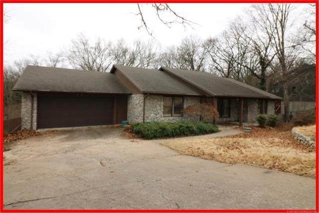 1420 Yorkton Lane, Bartlesville, OK 74006 (MLS #2010884) :: 918HomeTeam - KW Realty Preferred