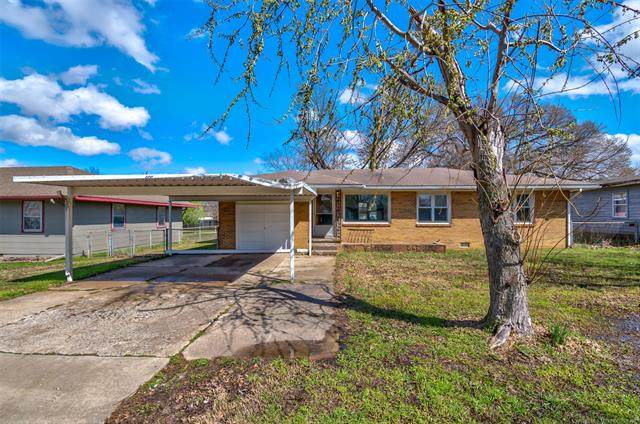 120 NE Myers Avenue, Bartlesville, OK 74006 (MLS #2011140) :: Hopper Group at RE/MAX Results