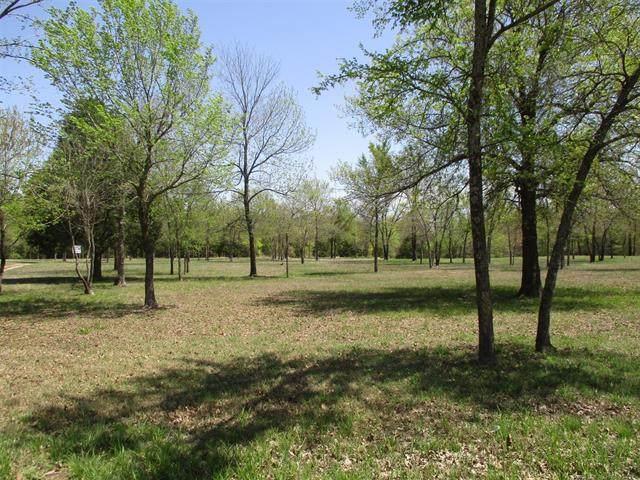 4 Meadow View Lane, Eufaula, OK 74432 (MLS #2011327) :: Active Real Estate