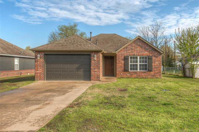 612 W Walnut Street, Collinsville, OK 74021 (MLS #2011534) :: Hopper Group at RE/MAX Results
