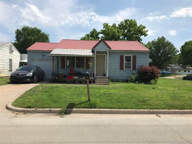 811 Lupa Street, Bartlesville, OK 74003 (MLS #2011691) :: Hopper Group at RE/MAX Results