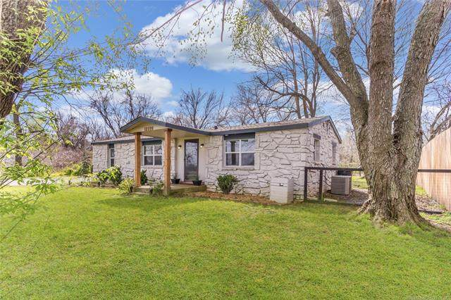 12410 E 136th Street N, Collinsville, OK 74021 (MLS #2011994) :: Hopper Group at RE/MAX Results
