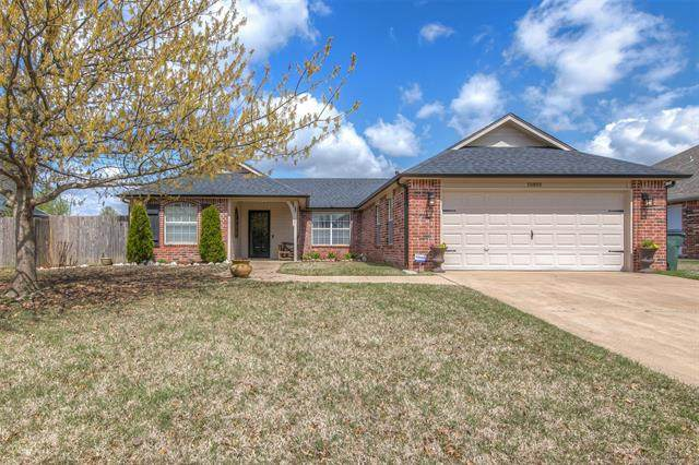 10803 E 117th Street North, Collinsville, OK 74021 (MLS #2012046) :: Hopper Group at RE/MAX Results