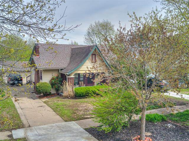 1514 S Keeler Avenue, Bartlesville, OK 74003 (MLS #2012121) :: Hopper Group at RE/MAX Results