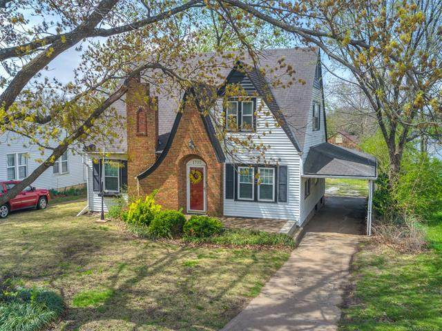 1705 S Keeler Avenue, Bartlesville, OK 74003 (MLS #2012146) :: Hopper Group at RE/MAX Results
