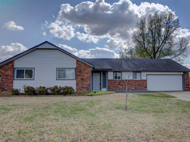 1044 W G. Street, Jenks, OK 74037 (MLS #2012179) :: Hopper Group at RE/MAX Results