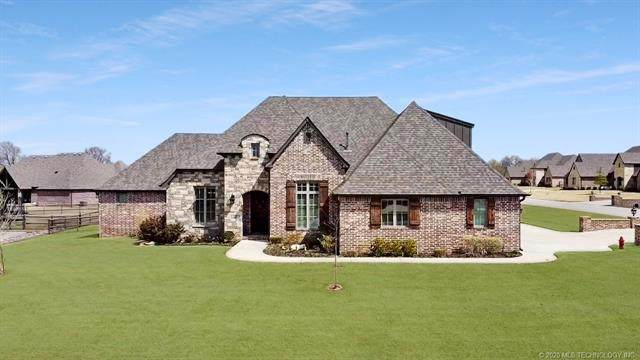 19737 E 70th Street N, Owasso, OK 74055 (MLS #2012244) :: RE/MAX T-town