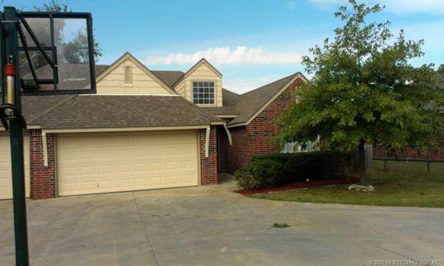 9702 N 102nd East Street North, Owasso, OK 74055 (MLS #2012308) :: Hopper Group at RE/MAX Results
