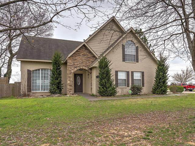 2624 E 140th Place S, Jenks, OK 74008 (MLS #2012309) :: Hopper Group at RE/MAX Results