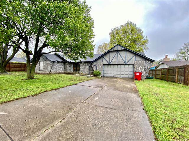304 E 22nd Street, Owasso, OK 74055 (MLS #2012493) :: Hopper Group at RE/MAX Results