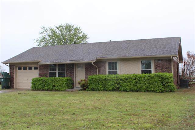 906 Jeffrey Drive, Muskogee, OK 74403 (MLS #2012649) :: Hopper Group at RE/MAX Results