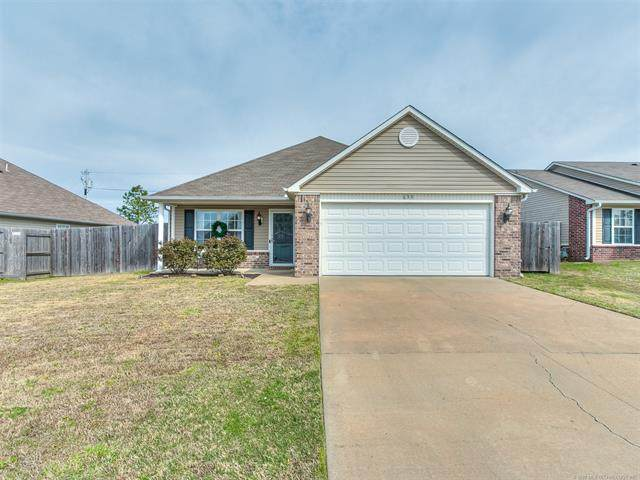630 N Cummings Avenue, Bartlesville, OK 74006 (MLS #2012776) :: Hopper Group at RE/MAX Results