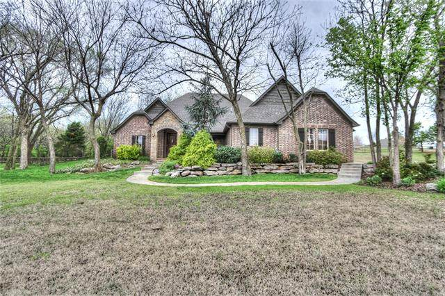 8250 N 72nd East Avenue, Owasso, OK 74055 (MLS #2012904) :: RE/MAX T-town