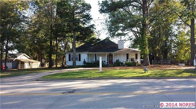 701 E Will Rogers Boulevard, Claremore, OK 74017 (MLS #2013773) :: Active Real Estate