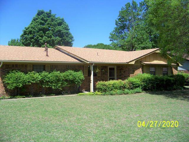 408 Hickory Drive, Henryetta, OK 74437 (MLS #2015152) :: Hopper Group at RE/MAX Results