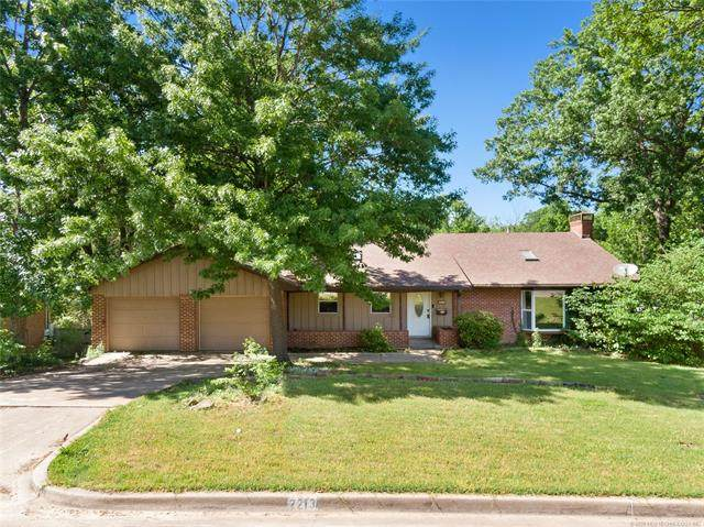 2213 Skyline Drive, Bartlesville, OK 74006 (MLS #2016307) :: Hopper Group at RE/MAX Results