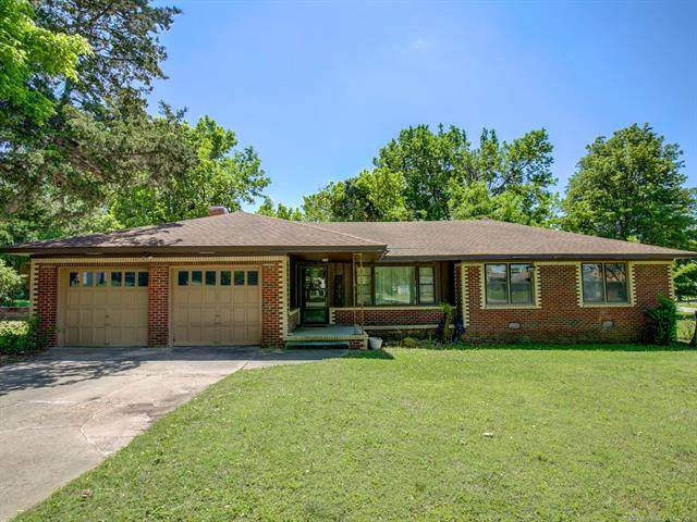 4001 Woodville Road, Bartlesville, OK 74006 (MLS #2016364) :: Hopper Group at RE/MAX Results