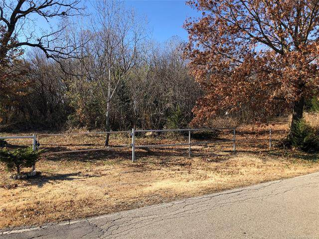 2251 S Keeler Avenue, Bartlesville, OK 74003 (MLS #2016473) :: Hopper Group at RE/MAX Results