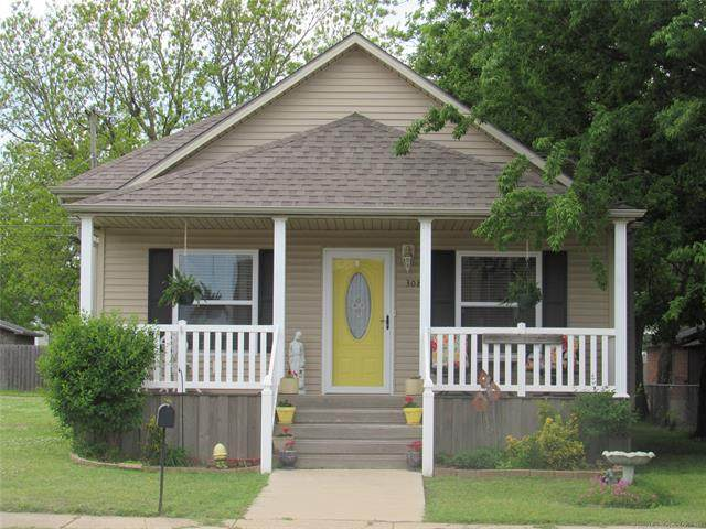 308 N Broadway Street, Checotah, OK 74426 (MLS #2016492) :: Hopper Group at RE/MAX Results