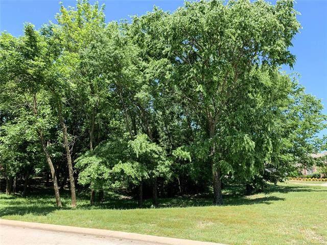 1937 S Surrey Court, Bartlesville, OK 74006 (MLS #2016702) :: Hometown Home & Ranch