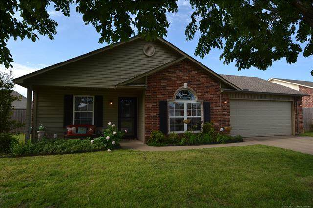 12008 E 115th Place North, Collinsville, OK 74021 (MLS #2016773) :: 918HomeTeam - KW Realty Preferred