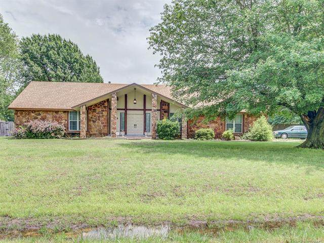 10925 N 168th East Avenue, Owasso, OK 74055 (MLS #2017200) :: 918HomeTeam - KW Realty Preferred