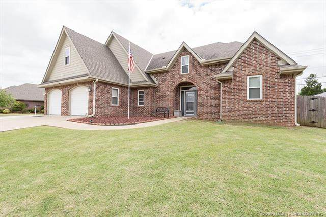 4315 Fairview Road, Bartlesville, OK 74006 (MLS #2017740) :: Hopper Group at RE/MAX Results