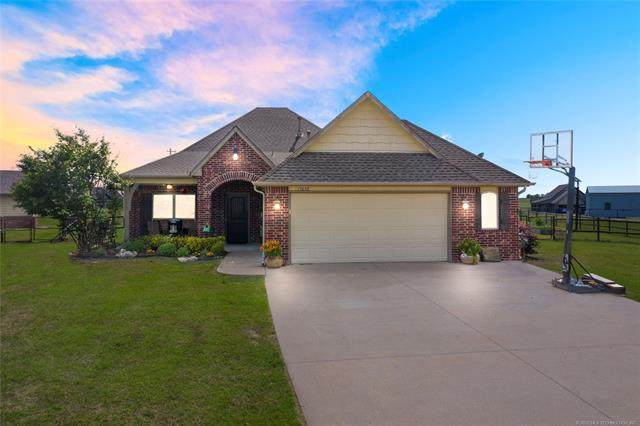 13638 N 59th East Avenue, Collinsville, OK 74021 (MLS #2018005) :: Hopper Group at RE/MAX Results