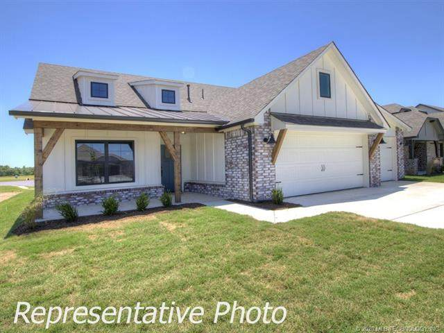 16442 E 115th Street North, Owasso, OK 74055 (MLS #2018172) :: Hopper Group at RE/MAX Results