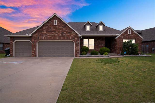 12113 E 69th Street North, Owasso, OK 74055 (MLS #2018534) :: Hopper Group at RE/MAX Results