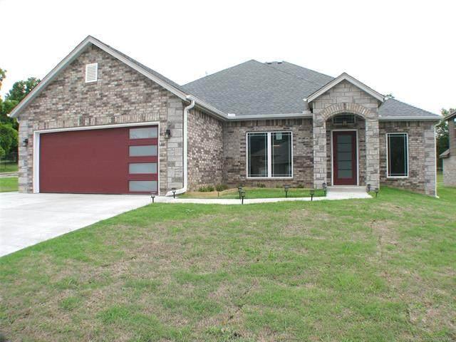 1835 W Reading Street, Tulsa, OK 74127 (MLS #2018863) :: 918HomeTeam - KW Realty Preferred