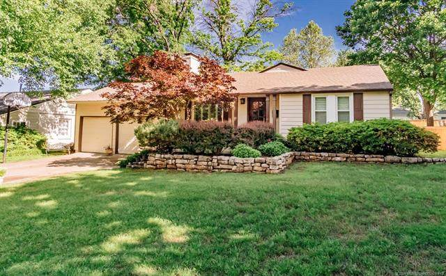 1951 E 35th Place, Tulsa, OK 74105 (MLS #2019090) :: Hopper Group at RE/MAX Results