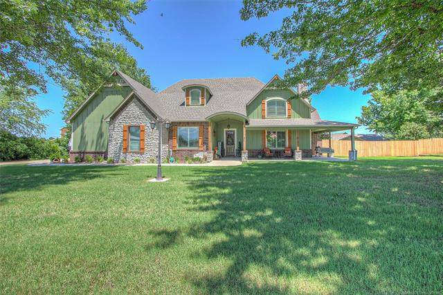 1210 SW 20th Street, Wagoner, OK 74467 (MLS #2019242) :: Hopper Group at RE/MAX Results