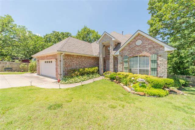 1421 Mission Court, Bartlesville, OK 74006 (MLS #2019355) :: Hometown Home & Ranch