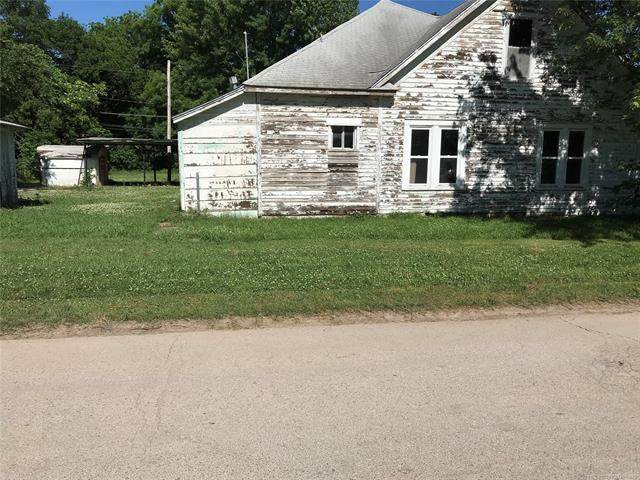 223 W Elm Street, Hominy, OK 74035 (MLS #2020026) :: Hometown Home & Ranch