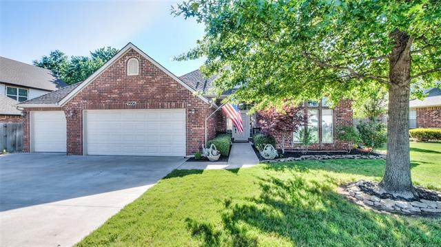 9906 N 117th East Avenue, Owasso, OK 74055 (MLS #2020358) :: Hopper Group at RE/MAX Results