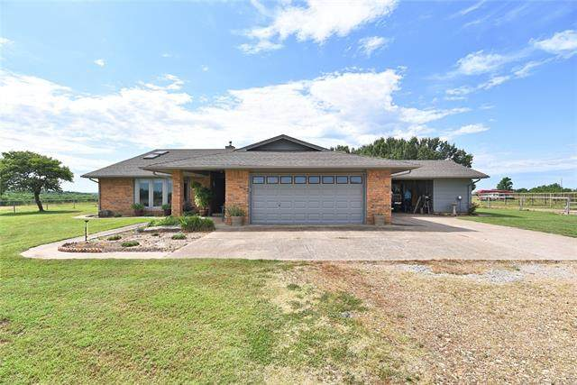 5221 W Groat Road E, Hulbert, OK 74441 (MLS #2020393) :: Hopper Group at RE/MAX Results