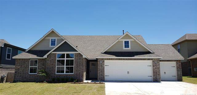 1411 Utica Place, Broken Arrow, OK 74012 (MLS #2020656) :: 918HomeTeam - KW Realty Preferred