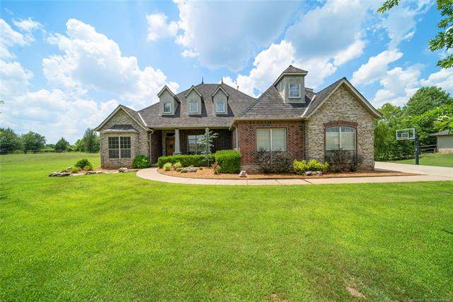 7522 Oak Line Drive, Tulsa, OK 74131 (MLS #2020739) :: 918HomeTeam - KW Realty Preferred